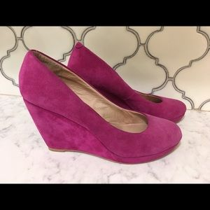 ALDO magenta suede wedge pump heels
